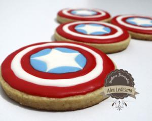 Galleta capitán américa en royal icing para super héroes